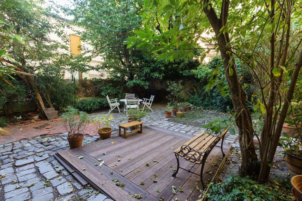 Une maison jardin verdure paris maisons louer for Jardin a louer ile de france