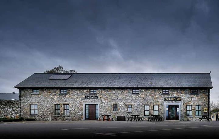 Lough Derg House & The Lake Cafe (Double/single)