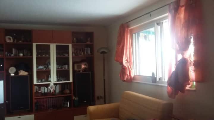 Camera Quadrupla In Appartamento