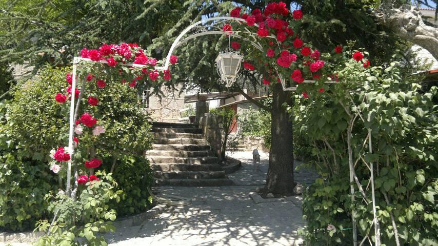 Preciosa casa de piedra - Hoyo de Manzanares