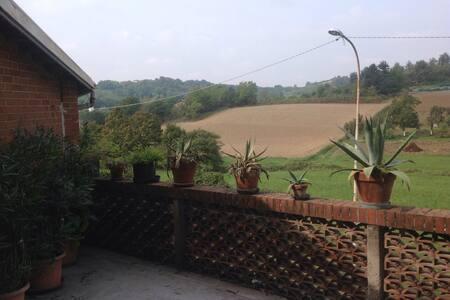 Grazioso appartamento arredato - Castelnuovo Don Bosco - Hus