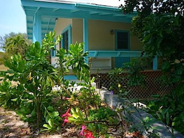 Sand Dollar...Cute Bahamian Cottage, Governor's EL - Governor's Harbour - Cabane