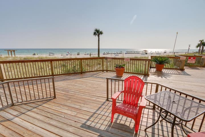 1st floor BEACH FRONT walkout - Freshly updated!! - Panama City Beach