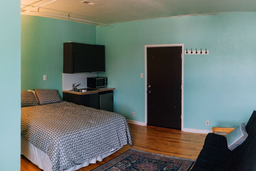 Queen Room 1 Old Town Fort Collins Apartments For Rent In Fort Collins Colorado United States