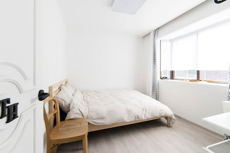"Jamsil ""Comestay"" Double bedroom TH - Songpa-gu - Inap sarapan"