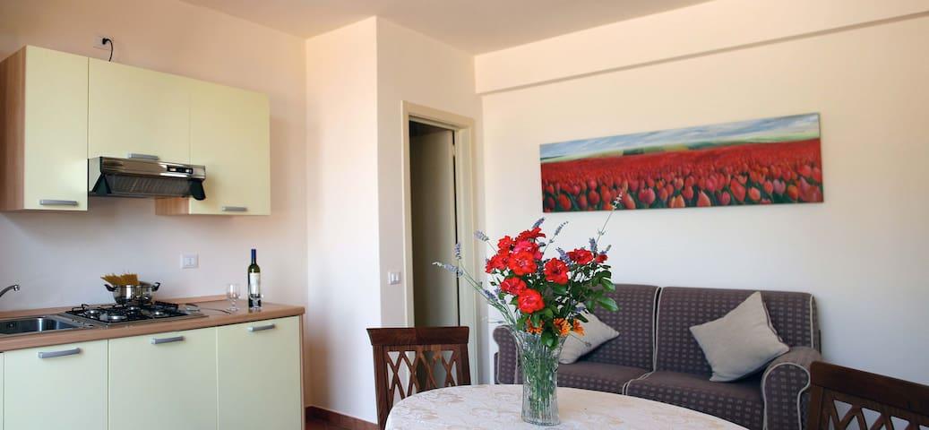 Tranquillità ai piedi del paesino - Piticchio - Apartment
