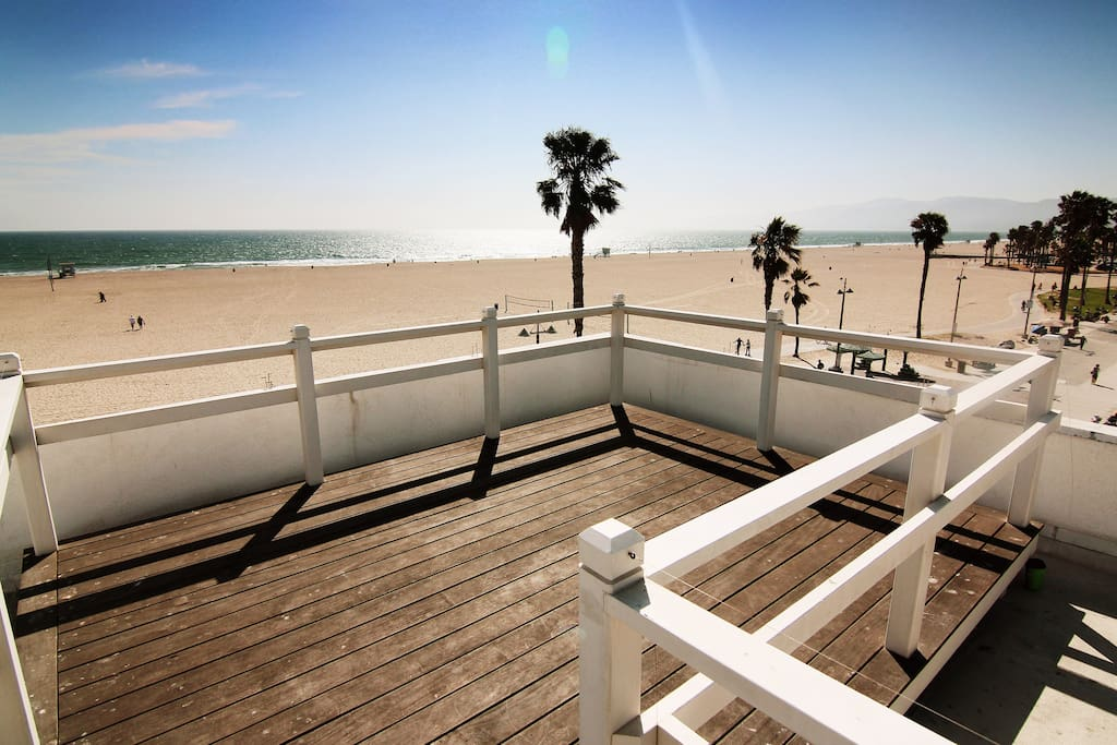 The Rooftop Balcony. Views from Malibu to Marina Del Rey!