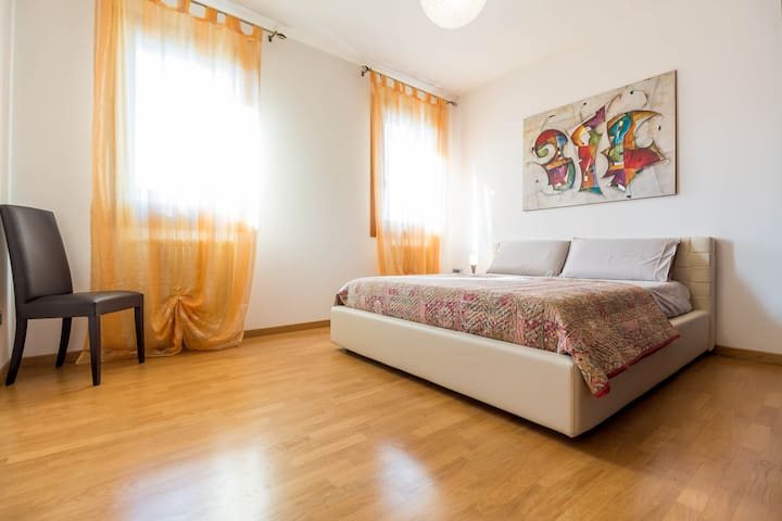 Brand new apartment and free car parking - Venetië - Appartement
