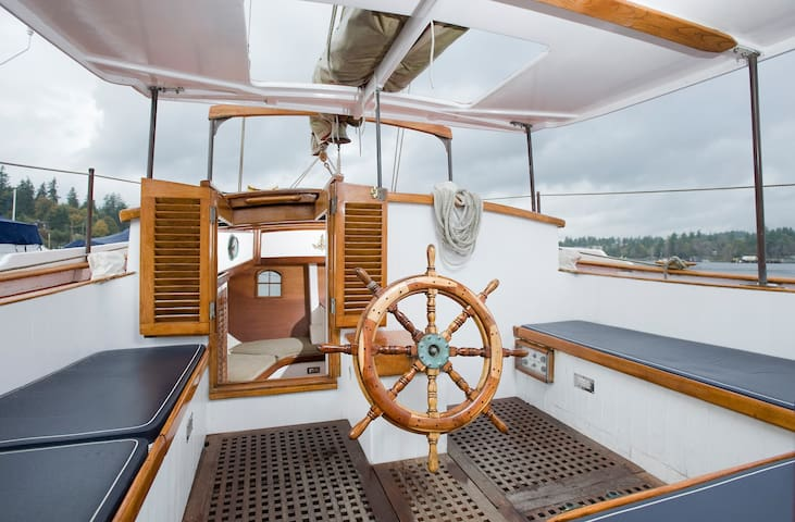 Lille Danser Sailing Charter at Poulsbo   Poulsbo   Boat. Top 20 Seattle Boat  Yacht and Houseboat Rentals   Airbnb Seattle
