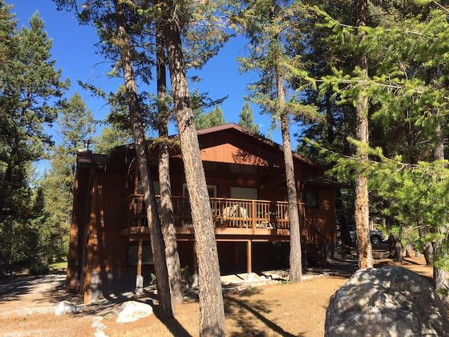 Pet-friendly Cabin in Fairmont - Fairmont Hot Springs