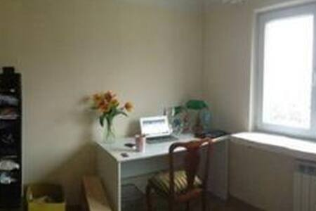 Room in 3-room apartment in Mokotów