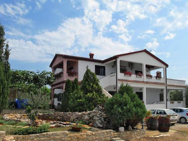 Apartmant Irena 4 persons - Peruški - Leilighet