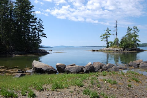 Lovely Cottage on Frenchman Bay