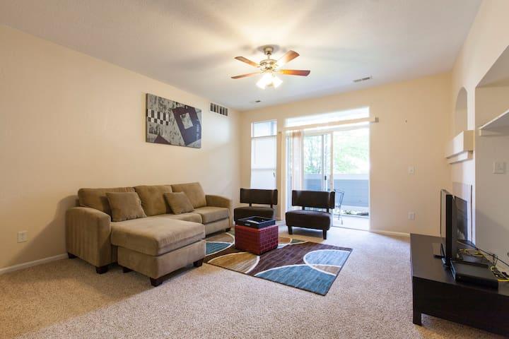 large condo apartments for rent in aurora colorado united states