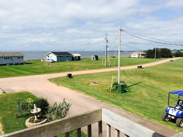 Ocean View 1 bedroom duplex on the water up L or R - Borden-Carleton - Apartamento