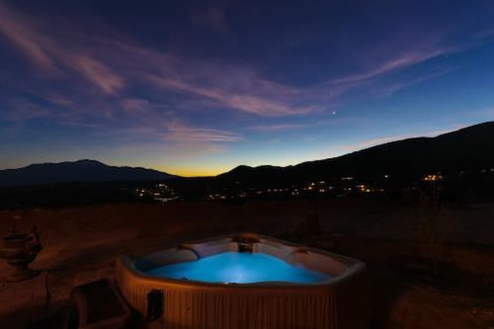 Spectacular View, Private Cabin w/Hot Tub & Hiking - Morongo Valley