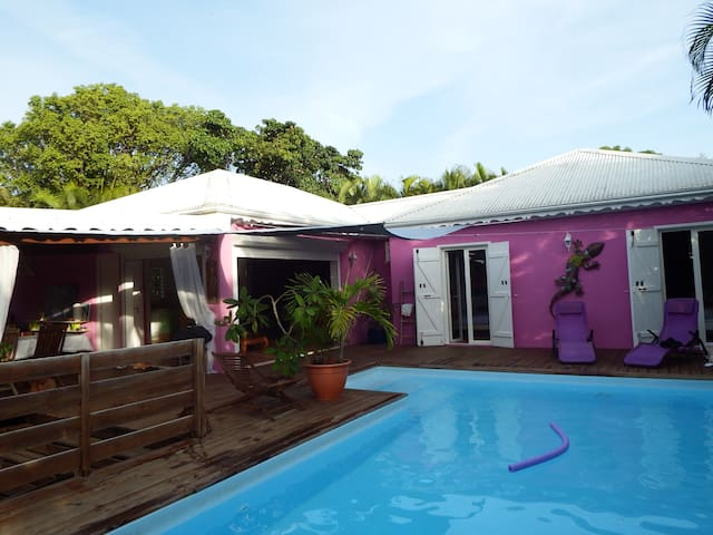 villa/piscine à 5 min des plages - GP - Rumah