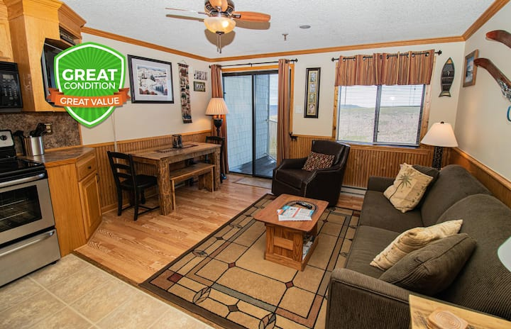 Warm & Inviting Close to Village & Lift Gated Parking WiFi ML276