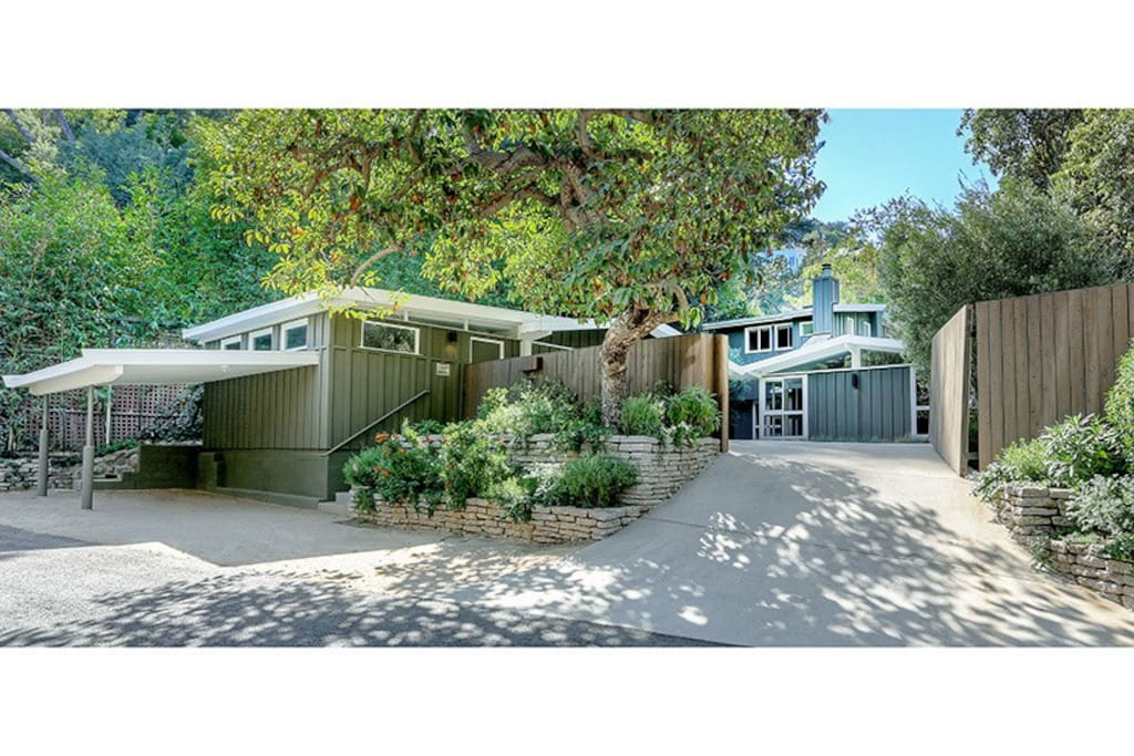 Mid century laurel canyon hideaway maisons louer los - Maison car park los angeles anonymous architects ...