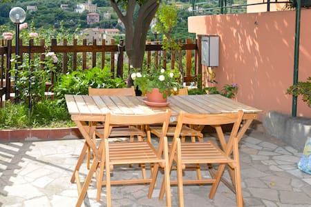 B&B Al Riparo, room Liguria with private balcony.