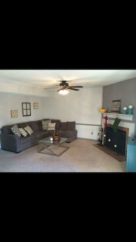 Relaxing 2BR Home in Brentwood. - Brentwood