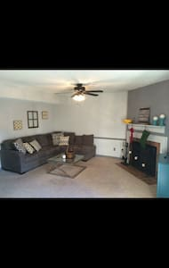 Relaxing 2BR Home in Brentwood. - Brentwood - Daire