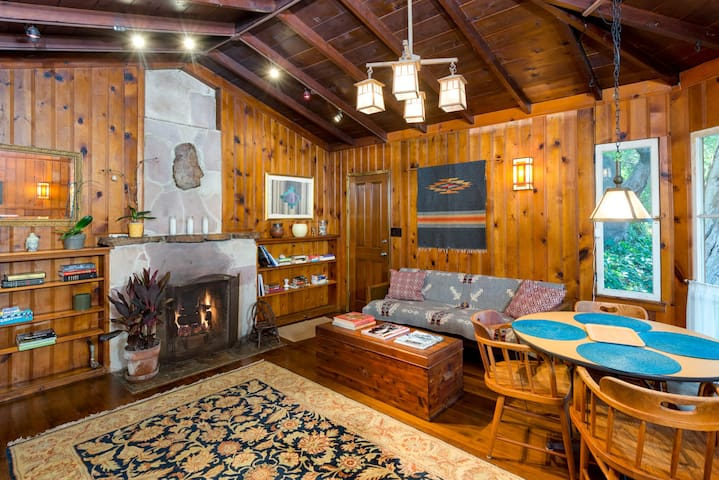 SANTA MONICA CANYON CABIN