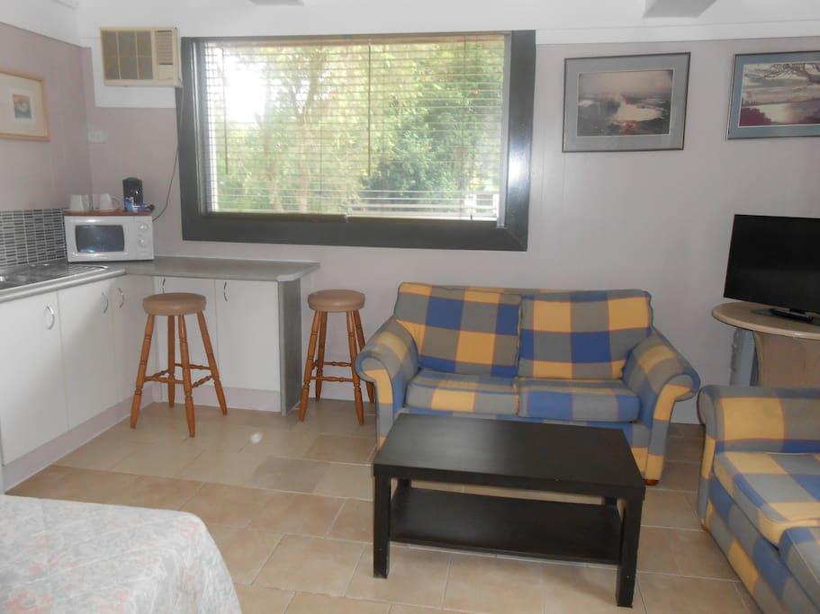 Modern cabin at rear of motel blockh tten zur miete in for Betten motel one