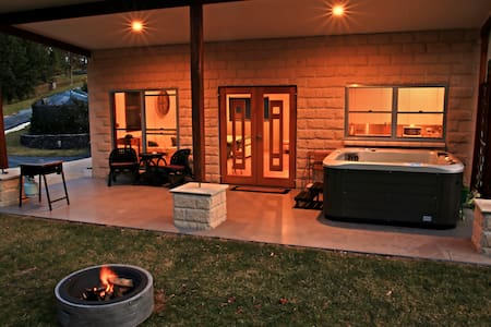 Coffs Coast Mountain Retreat Cabin 2