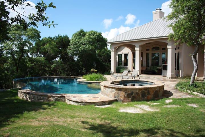 Rockin B Ranch Summit House - Pipe Creek - House