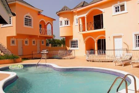Le Chateau Villa Beaux Paradis Apt - Bluefields - Apartment