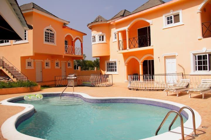 Le Chateau Villa Beaux Paradis Apt