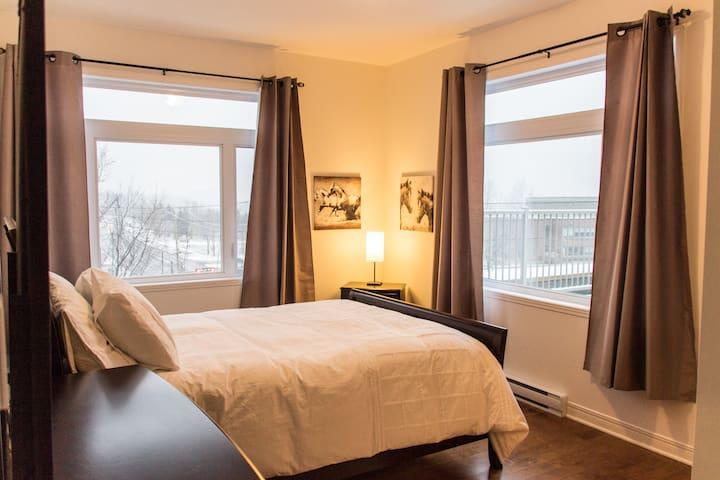 Le Penthouse :: Prêt à séjourner - Longueuil - Byt