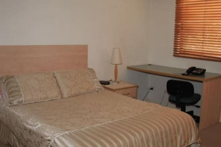 Double room with own en-suite - Robertson