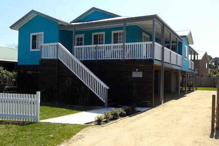Lake Conjola Beach House - Lake Conjola
