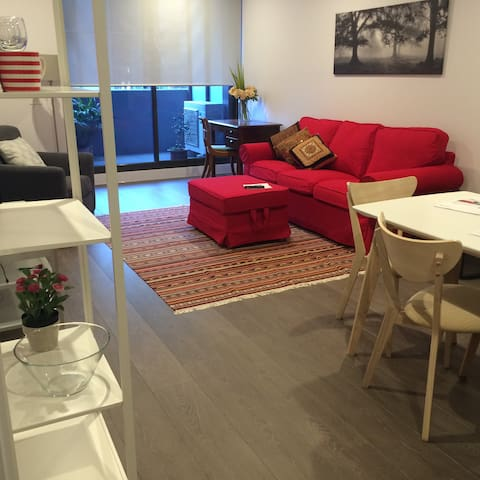 Fantastic apartment with indoor pool in Royal Park - Parkville - Byt