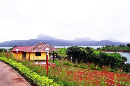 Lake touch villa at Pavana - Lonavala - Talo