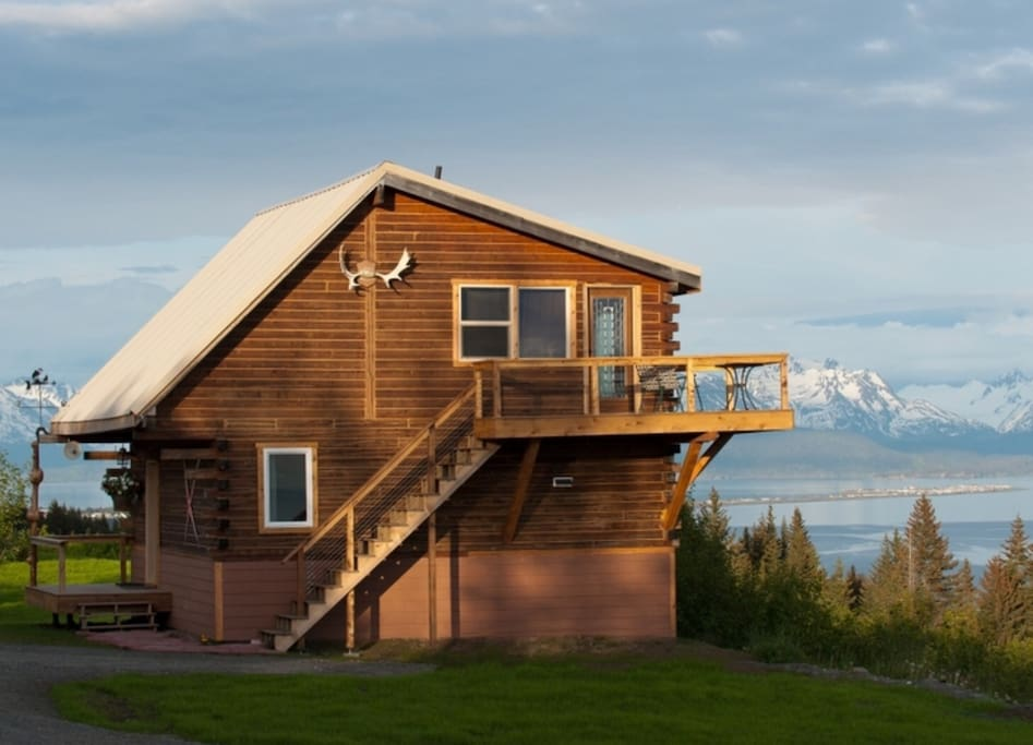 Glacier at alaska adventure cabins houses for rent in for Glacier fish house
