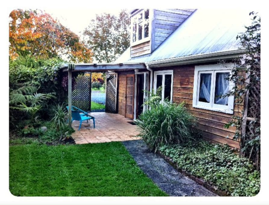 weekender cottage matakana cottages for rent in