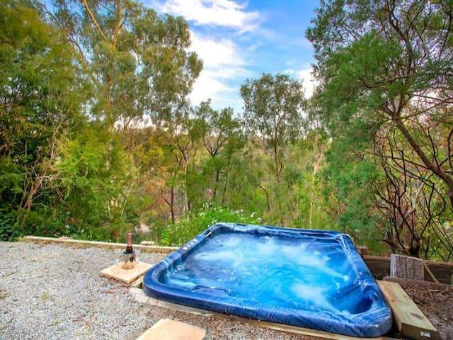 One bedroom bush retreat with spa - North Warrandyte - 一軒家