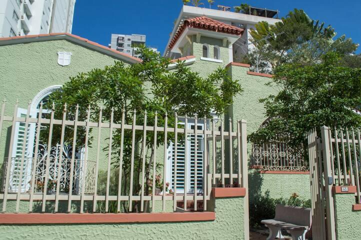 Casa Isabel B&B, Suite 1 - Condado - Bed & Breakfast