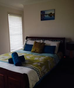 Brisbane Furnished Homes- Short/ Long term- 3 brm - Rochedale South - Talo