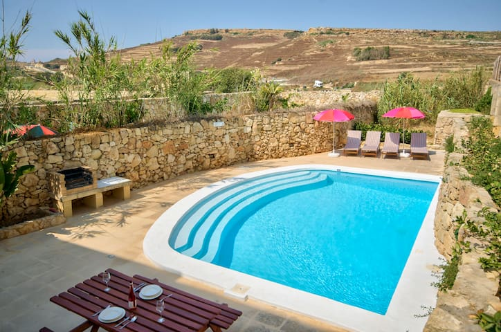 Gozo Farmhouses - Farmhouse Cora - Victoria - Maison