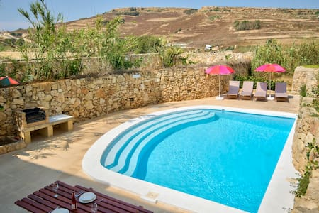 Gozo Farmhouses - Farmhouse Cora - Victoria