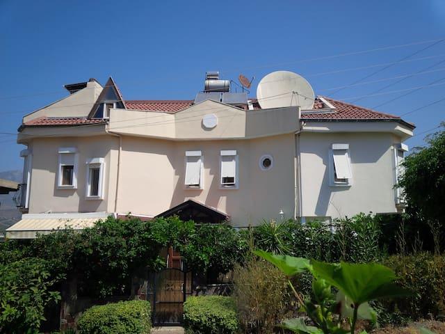 Großes Haus in Alanya/Kargicak - Alanya - Dům