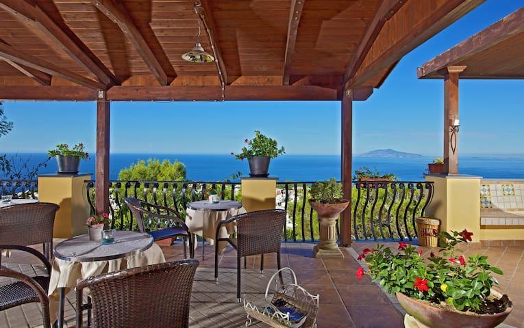 "B&B Monte Solaro room ocean view ""Grotta Azzurra"""