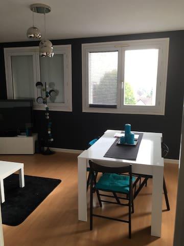 chambre 12m2 proche paris appartamenti in affitto a cormeilles en parisis idf francia. Black Bedroom Furniture Sets. Home Design Ideas