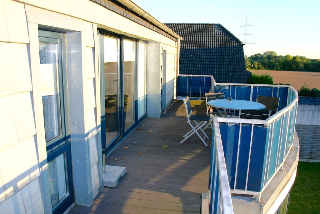 your private sun-downer terrace