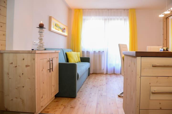 Garni Appartements Almrausch *** - Burgusio - Apartemen