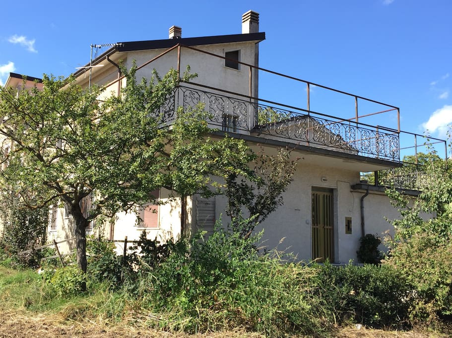 Piccola casa nella verde irpinia appartamenti in affitto for Piani di piccola casa verde